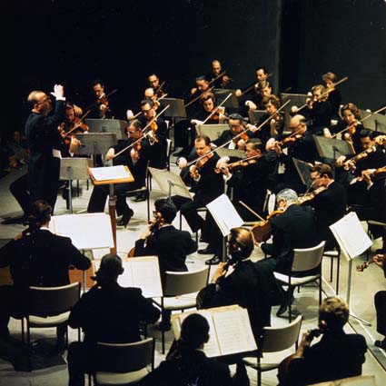 sydney symphony orchestra In 2018 the sydney symphony orchestra present another season of beautiful, inspiring, fascinating and vibrant music-making in the sydney opera house choose from over 40 concerts.