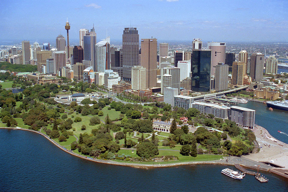 Royal Botanic Gardens And Sydney City 2001